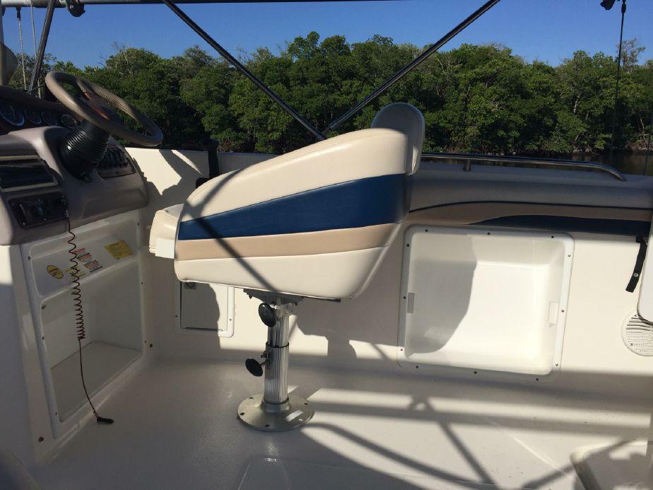 1998 Chaparral Sunesta 252 Powerboat - Sanibel Yacht and Slip