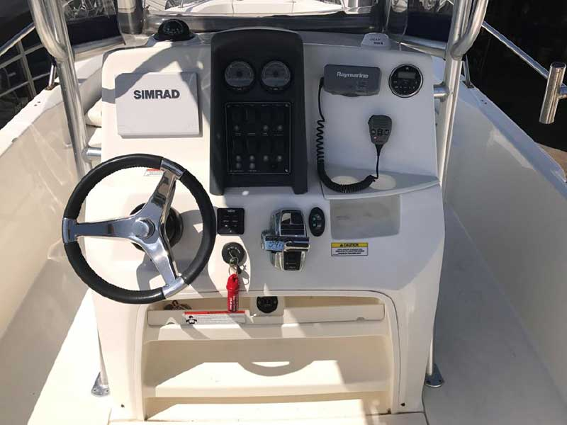 2011 Boston Whaler Powerboat
