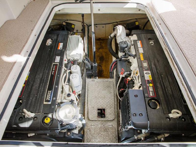 2008 Four Winns 378 Powerboat